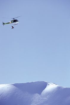 30 meter snowboard drop out of a Helicopter!! Mike Basich photographed himself! Legend