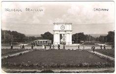 Межвоенный период. Вид на арку Победы и Кафедральный собор от нынешнего дома правительства. Сhisinau