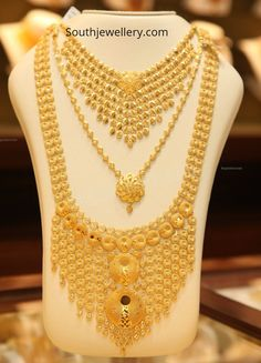 Gold necklace and haram set by Malabar Gold and Diamonds - Indian Jewellery Designs Gold Set Design, Gold Bangles Design, Gold Jewellery Design, Indian Gold Necklace Designs, Gold Earrings Designs, Gold Haram Designs, Dubai Gold Jewelry, Diamonds, Carat Gold