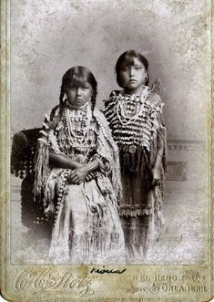 Historic picture gallery of Kiowa Indian children
