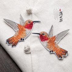 Zwei bunt bestickte Vogel Patch Pullover Dekoration von Laceshine