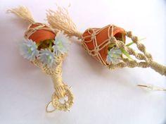 Natürliche farbige Mini Macrame Pflanze hängende von KuhaKreations