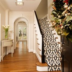 like the patterned carpet for the staircase