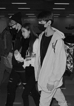 Jimin and rose' with jungkook at the mall #bts #blackpink