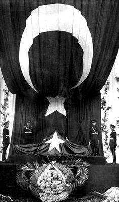 Ata'nın cenazesinden görülmemiş fotoğraflar!