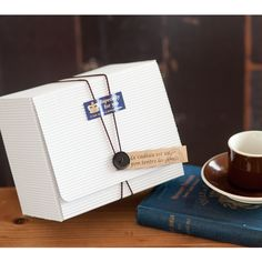 シングルホワイトギフトボックスHEADS ギフト ラッピング 用品 包装資材のHEADS ヘッズ