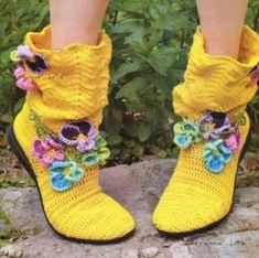 awesome Örgü Ev Botu Örnekleri Knitted Flowers, Crochet Slippers, Crochet Boots, Crochet Clothes, Knitting Stiches, Knitting Patterns, Crochet Patterns, Crochet Fall, Crochet Cozy