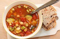 Kjapp suppe med chorizo, squash og kikerter