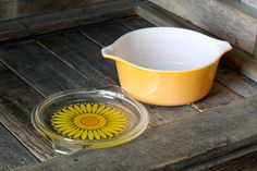 Vintage Pyrex Daisy Casserole Dishes by EasyAsPieVintage on Etsy
