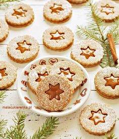 Krówkowe Kruche Ciasteczka - PRZEPIS - Mała Cukierenka Gingerbread Cookies, Christmas Cookies, Polish Recipes, Pumpkin Cheesecake, Sweet Cakes, Cookie Decorating, Baked Goods, Cookie Recipes, Sweet Treats