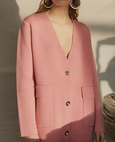 salmon pink blazer   curated by ajaedmond.com   capsule wardrobe   minimal chic   minimalist style   minimalist fashion   minimalist wardrobe   back to basics fashion