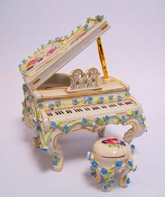 PORZELLAN PIANO KLAVIER PORZELLANFIGUR | Antiquitäten & Kunst, Porzellan & Keramik, Porzellan | eBay!