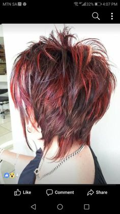 Frisuren edel I hate the colors, but I love the cut. What Is a Proper Wedding Gift? Funky Short Hair, Short Choppy Hair, Short Shag Hairstyles, Short Hair With Layers, Short Hair Cuts For Women, Choppy Cut, Short Haircut, Short Cuts, Medium Hair Styles