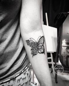 Tattoo da Danielly, trouxe a referência e modifiquei para tattoo dela! Nao sei o artista original para dar créditos a criação da ideia ! Valeu Danielly até breve! . . Contato para orçamento e agendamento no tel 27 999805879 com bruno de segunda a sexta de 8 as 18 hs! NÃO RESPONDEMOS DIRECT! . . #kadutattoo #tattoo #tattoos #tattoo2me #tatuagem #tatuagens #butterfly #borboleta #flower #flores #delicate #delicatetattoo #rose #rosa
