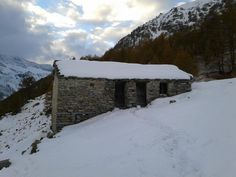Ca' Bianca (White house)... now I understand the reason of the name... (Ca' Bianca, Ceresole Reale, Alps, Italy)