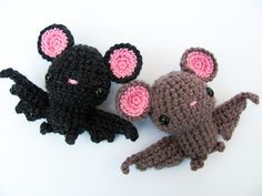I really wanted a cute bat for Halloween this year. One that looks like it could fly right across the room. Problem was most amigurumi don't have very good wings. As a designer I know why, it's REA...
