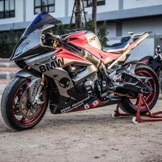 Custom BMW 2018 - Motorcycles, bikers and Super Bikes, Custom Sport Bikes, Scooter Custom, Custom Bmw, Specialized Mountain Bikes, Scooter Motorcycle, Bike Bmw, Husband Appreciation, Motocross Gear