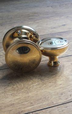 A beautiful, reeded centre door knob (door pull) from British ...