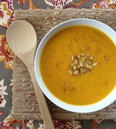 Apple-Rutabaga soup topped with walnuts and nutmeg.perfect for those cold nights or as a starter for the holiday meals! No walnuts! Soup Recipes, Cooking Recipes, Healthy Recipes, Rutabaga Recipes, Clean Eating Soup, Veggie Soup, Healthy Side Dishes, Vegan Foods, Soup And Salad