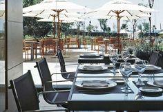 En el AC Hotel Gavà Mar podremos disfrutar de un saludable buffet de ensaladas y de su clásica barbacoa en la piscina, abierta los fines de semana a mediodía de junio y julio y todo el mes de agosto.