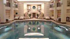 Pour respirer un air plus léger et moins riche en émotions après BAIKOVO, vous pouvez venir vous ressourcez dans un des meilleurs endroits de PARIS,  le RITZ  CLUB , et faire des longueurs dans sa piscine  chauffée à 32 degrés alors que la capitale affiche  certains jours ,en ce mois de janvier des températures négatives.