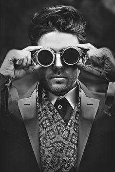 Safari Steampunk Anyone? Steampunk is a rapidly growing subculture of science fiction and fashion. Moda Steampunk, Steampunk Costume, Steampunk Fashion, Steampunk Goggles, Steampunk Sunglasses, Victorian Steampunk, Gothic, Gentleman Mode, Gentleman Style