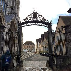 https://flic.kr/p/qxcUvw | Chartres cathedral - a gate :) #upsticksandgo #chartres #cathedral #history #france #travel #travellingtheworld #michfrost