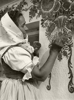Slovakia Culture Clothing, Bratislava, Folk Costume, My Land, Vintage Photographs, Czech Republic, Folklore, Artist At Work, Traditional Outfits
