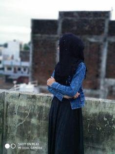 Lovely Girl Image, Beautiful Girl Photo, Beautiful Muslim Women, Beautiful Hijab, Hijabi Girl, Girl Hijab, Stylish Girls Photos, Stylish Girl Pic, Cute Girl Poses