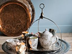 Maroc - tea - tray - dienblad - thee - theeservies - Marokkaans - koper - zilverkleur Dark Bohemian, Tea Tray, Oriental, Interior, Inspiration, Home Decor, Products, Morocco, Accessories