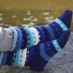 Ravelry: Regnbuesokker pattern by Borghild Kolås Crochet Socks, Knitting Socks, Hand Knitting, Knit Crochet, Doll Patterns, Knitting Patterns, Bear Patterns, Patons Classic Wool, Crochet Crown
