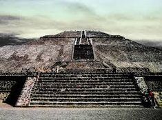 "Pyramid of the Sun - Archaeoastronomy at Teotihuacan - It is a curious fact that the city of Teotihuacán was meticulously laid out on a grid which is offset 15º.5 from the cardinal points. Its main avenue, the ""Street of the Dead,"" runs from 15º.5 east of north to 15º.5 west of south, as does its most impressive structure, the Pyramid of the Sun, which is directly oriented to a point 15º.5 north of west."