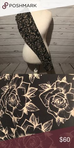 995d38810ebefd Shop Women's LuLaRoe size OS Leggings at a discounted price at Poshmark.  NWT 🦄 Beautiful Black and Cream Roses.