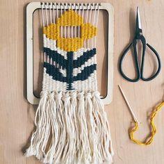 Weaving fun! This looks so pretty #weaving