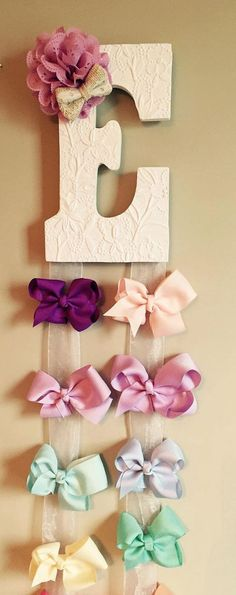 Customized Hairbow Holder Custom Personalized Hair Bow Hanger by McKinleysLoves on Etsy Girl Nursery, Girl Room, Hair Bow Hanger, Diy Hair Bow Holder, Headband Holders, Diy And Crafts, Crafts For Kids, Diy Hair Bows, Ribbon Hair
