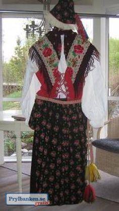 Folkdräkter Dala-Floda & Dala-Järna Folk Costume, Costumes, My Heritage, Bohemian Style, Sweden, Skirts, Dresses, Fashion, Vestidos