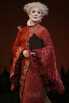 Patty Duke, as Miss Morrible,in the San Francisco production.