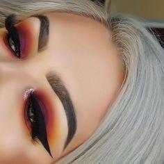 Brows: Anastasia Beverly Hills dipbrow pomade #makeup #ad