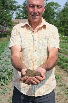 An organic farmer, John believes in the-soil-as-ecosystem. Food System, Food News, Agriculture, New Recipes, Ontario, Farmer, Restaurants, Awards, Organic