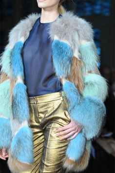 metallic and colored fur. Matthew Williamson<3