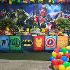 Avengers birthday party torta in 2019 superhero birthday par Hulk Birthday Parties, Superman Birthday Party, 1st Boy Birthday, Avenger Party, Avenger Birthday Party Ideas, Birthday Ideas, Superhero Party Decorations, Birthday Party Decorations, Avengers Poster
