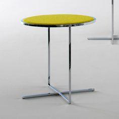 Mesa centro de viccarbe tapizada para salones modernos o salas de espera de oficinas u hoteles modernos para comprar online viccarbe.