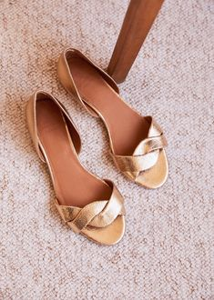Sezane Pre-Spring Collection My Five Top Picks Ella Shoes, Shoes Flats Sandals, Girls Heels, Types Of Shoes, Minimalist Fashion, Leather Heels, Wedding Shoes, Fashion Shoes, Footwear