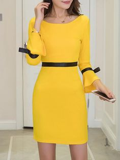 Awesome women dresses are offered on our website. Have a look and you wont be sorry you did. I Dress, Dress Outfits, Casual Dresses, Short Dresses, Fashion Dresses, Frack, Bodycon Dress With Sleeves, Yellow Dress, Occasion Dresses