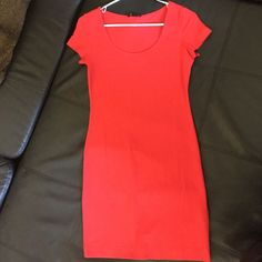 Nwt Coral Red Short Sleeve Body Con Dress