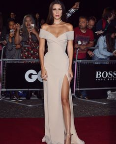 Bella Hadid was recently crowned as GQ's Model Of The Year. The stunning 19-year-old stepped out on the red carpet at the event held at the Tate Modern in London on Tuesday, September 6, 2016