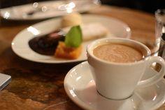 Pixi mit Milch | Reisen: Restaurant-Tipps für Budapest | Kaffee und Palatschinken im Gerbeaud Café