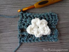 Here is a little cloud you can crochet in just a few minutes. Usingfluffypillow-like baby yarn, the result is a soft and squishy cl...