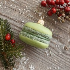 For the macaron lovers this Christmas ;)