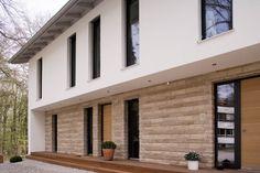 haus modern fassade holz und - Google-Suche Garage Doors, Modern, Stone, Outdoor Decor, Google, Home Decor, Architecture, House, Trendy Tree
